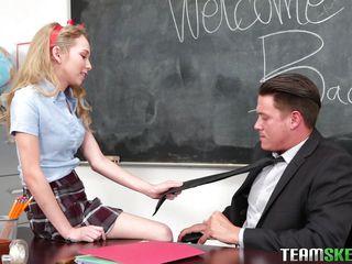 порно видео молодые русские парни с женщиной